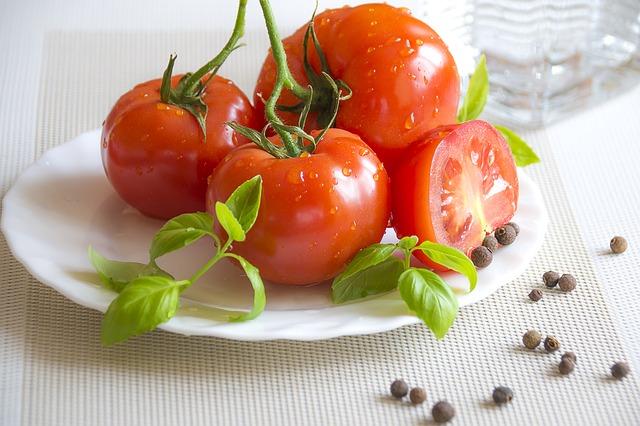 jak sparzyć pomidory