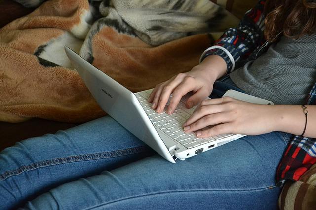 jak włączyć klawiaturę ekranową
