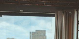 jak wyregulować okno