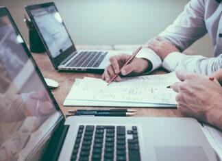 Opieka informatyczna firm - kiedy warto zlecić?